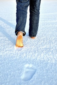 Walking in Snow dreamstime_m_15100146 (2)